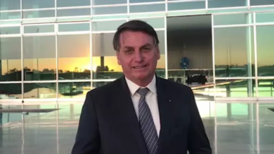 Photo of Bolsonaro grava vídeo elogiando produtor de MS por hasteamento de bandeira